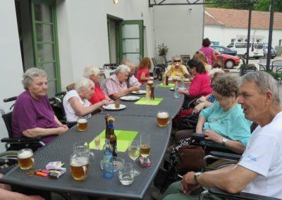 Posezení v Zámeckém pivovaru v Sokolnicích