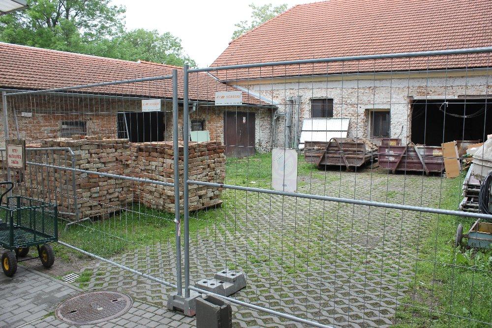 Rekonstrukce hospodářských prostor Hájenky